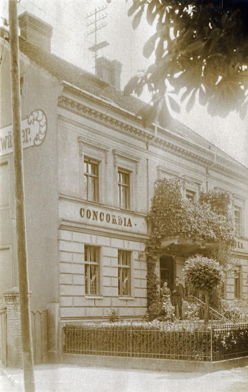 Concordia-Apotheke historisch